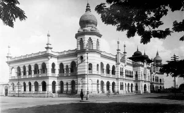 bangunan-sultan-abdul-samad-01