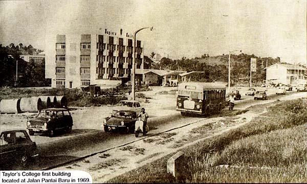 jalan-pantai-baru-taylor-college-1969