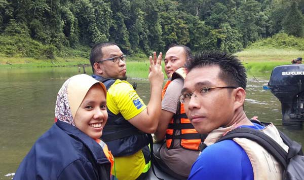 trekking-air-terjun-ruok
