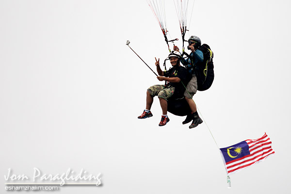 tandem-paragliding-bukit-jugra-banting-eshamzhalim-travelblog