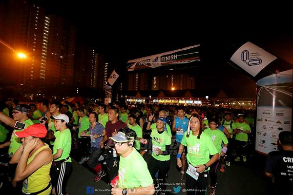 uem-charity-run-2015-50-tahun-half-marathon-finisher-nkve-werunnkve-persada-plus-eshamzhalim-02